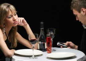 Mind your Mobile Phone Manners with these Tips